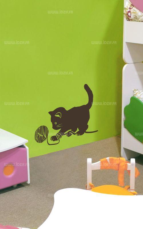 Sticker chaton et pelote de laine