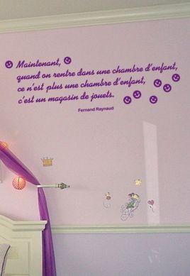 Sticker citation : (...) une chambre d\'enfant, c\'est un magasin de jouets.