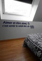 Sticker citation : Aimer et être aimé, c\'est sentir le soleil des 2 côtés