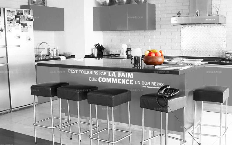 """Sticker citation \""""C\'est toujours par la faim ...\"""" de Louis Auguste Commerson. Sticker adhésif découpés à la forme dans vinyle de couleur unie. Ce visuel fera sensation dans votre intérieur."""