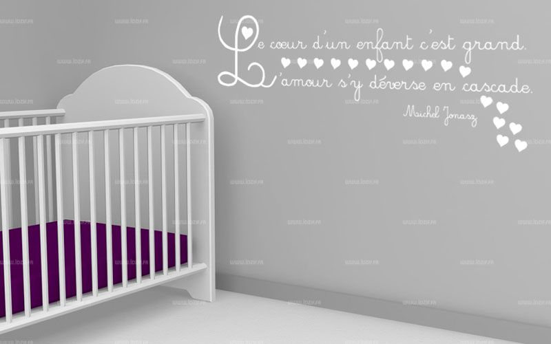 sticker citation le coeur d 39 un enfant c 39 est grand l 39 amour s 39 y d verse en cascade. Black Bedroom Furniture Sets. Home Design Ideas