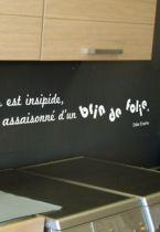 Sticker citation : Un repas est insipide s\'il n\'est assaisonné d\'un brin de folie
