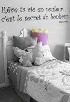 Sticker citation : Rêve ta vie en couleur, c\'est le secret du bonheur
