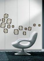 Stickers carré mambo. A vous de créer votre univers avec cette planche de stickers muraux découpé à la forme dans de l\'adhésif uni