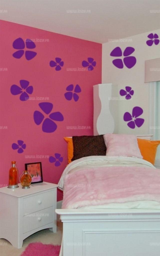 """Sticker \""""planche trèfles\"""" découpé à la forme dans vinyle de couleur unie. Ce visuel habillera vos murs de manières originale. Création MALTIN"""