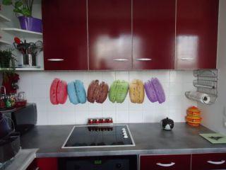 votre cuisine prend des couleurs avec ce sticker macaron