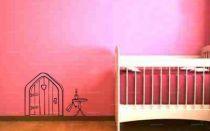 Ludivine Anadon, notre créatrice, vous fait redécouvrir Alice au Pays des Merveilles, conte de Lewis Carroll, avec ce sticker décoratif qui séduira les enfants ou pourra créer un trompe l'œil dans votre décoration d'intérieur