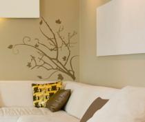 Le stickers arbre automne et feuilles vous permettra d\'apporter la nature sur vos murs