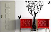 Le stickers arbre haut pour décorer l\'intérieur sur le thème de la nature
