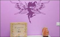 Le stickers clochette aux grandes ailes pour décorer l\'intérieur sur le thème des fées