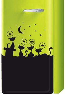 Décorer son frigo avec un sticker chat. Cette création iDzif.com customisera à merveille votre frigidaire