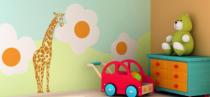 Le stickers girafe haute  pour décorer une chambre d\'enfant