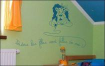 Le stickers lion toutes les filles pour décorer une chambre d\'enfant