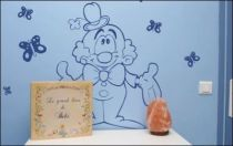 Le stickers mural clown pour décorer une chambre d\'enfant