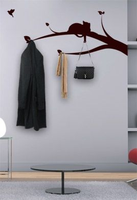 stickers chat sur branche porte manteau. Black Bedroom Furniture Sets. Home Design Ideas
