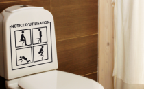 Le stickers notice d\'utilisation toilette pour une décoration originale pour les wc