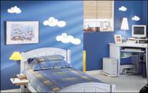 Le stickers nuages blancs et gris pour décorer une chambre d\'enfant
