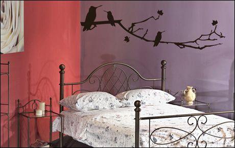 Le stickers les oiseaux sur la branche pour un décor mural sur le thème de la nature
