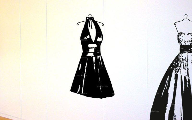 Stickers robe de femme pour décorer un mur ou une penderie