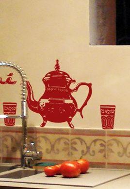 Stickers service à thé du Maghreb pour créer une décoration murale orientale et accompagner vos dégustations de thé à la menthe
